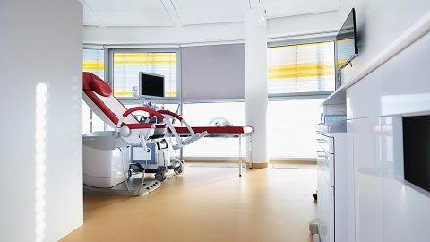 wineo Bodenebelag im Behandlungszimmer PURLINE Bioboden hell